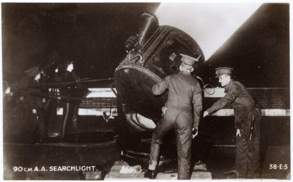 WW2 British Home Front - a 90cm Anti Aircraft Searchlight. Date: circa 1940