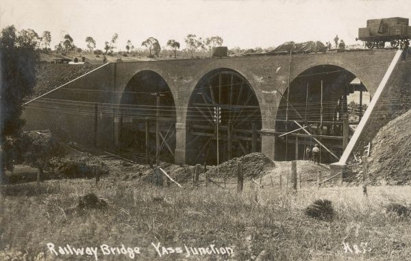 Building the railway bridge at Yass Junction, Australia, c. 1909