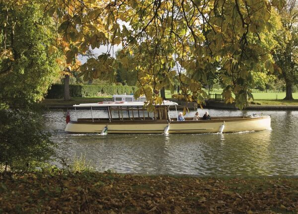 Boat trip on the River Avon, Stratford upon Avon, Warwickshire, England, United Kingdom, Europe
