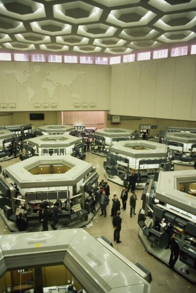 the old trading floor of the london stock exchange before big bang city of london
