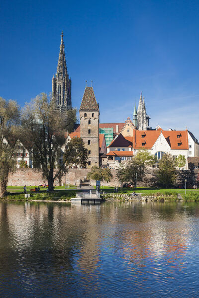 Germany, Baden-Wurttemburg, Ulm, city view from the Danube River