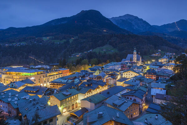 Germany, Bavaria, Berchtesgaden, elevated town view, dusk