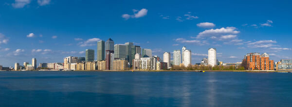UK, England, London, Canary Wharf and River Thames