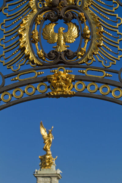 United Kingdom, London, Westminster, Gold gate and Victoria Memorial - located infront of Buckingham Palace