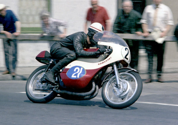 dave-simmonds-kawasaki-1967-junior-tt-88