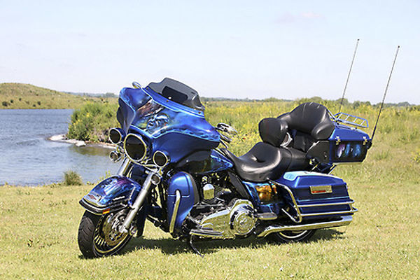 Street Glide With Glass In Paint Jobs