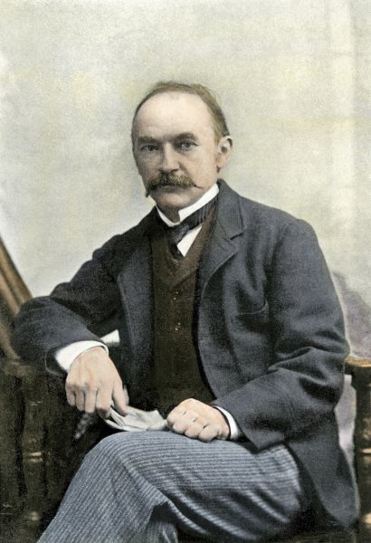 hardy the novelist an essay on criticism Hardy was exploring criticism of several aspects papers analyze one of thomas hardy's famous wessex novels that was an essay on jude the obscure.