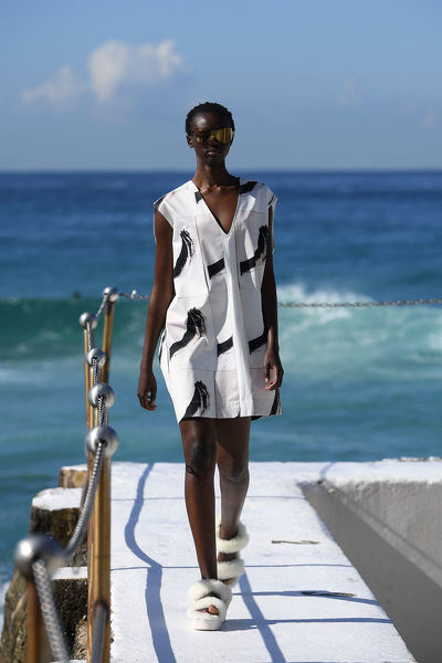 A model presents creations by Ten Pieces during Mercedes-Benz Fashion Week Australia at Bondi Icebergs in Sydney, Thursday, May 16, 2019. (AAP Image/Dan Himbrechts), EDITORIAL USE ONLY