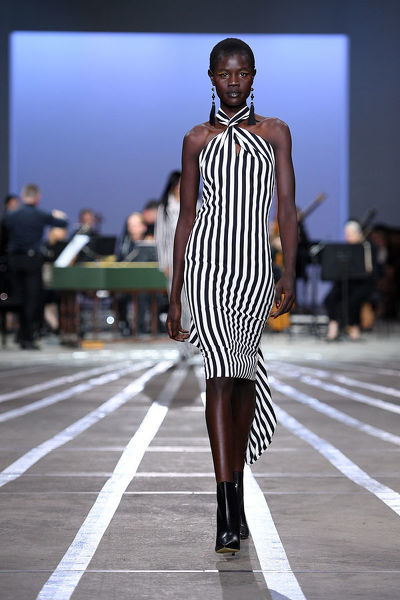 A model walks the runway wearing creations by Carla Zampatti during Mercedes-Benz Fashion Week Australia in Sydney, Thursday, May 16, 2019. (AAP Image/Dan Himbrechts) NO ARCHIVING, EDITORIAL USE ONLY