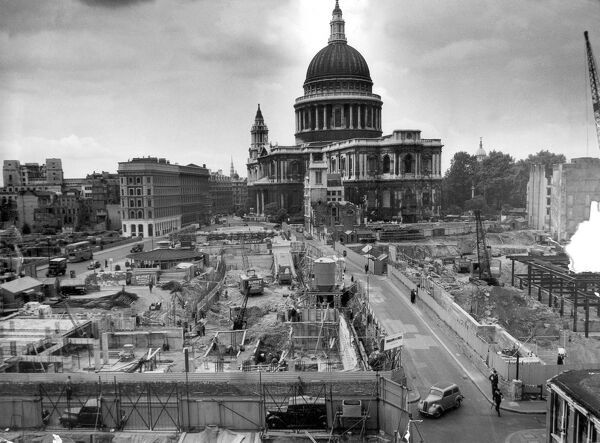 the blitz and st pauls cathedral essay And through the archives is back first up is a rare look at the interior of old st paul's cathedral from before it burned down in the great fire of london, plus a.