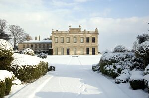Brodsworth Hall in the snow N090065