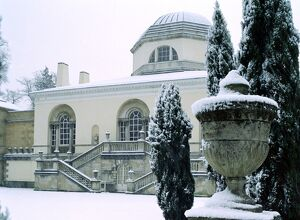 Chiswick House in the snow K030095