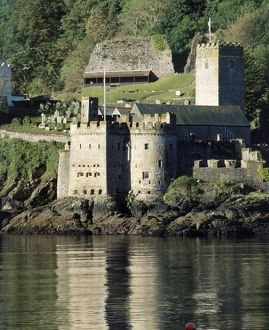 Dartmouth Castle K021155