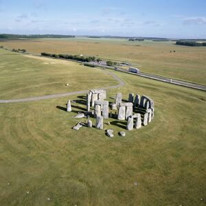 Stonehenge from the air K040310
