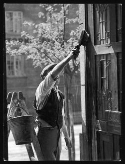 HUNGARIAN WINDOW CLEANER