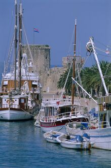 Boats in harbour, medieval town of Trogir, Dalmatia, Dalmatian coast, Adriatic