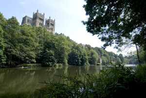 Cathedral overlooking River Wear, UNESCO World Heritage Site, Durham, County Durham