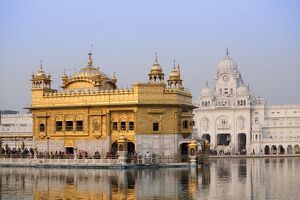 The Harmandir Sahib (The Golden Temple), Amritsar, Punjab, India, Asia