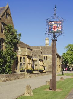 The Lygon Arms sign, Broadway, the Cotswolds, Hereford & Worcester, England, UK, Europe