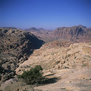 The Umm al-Biyara Massif