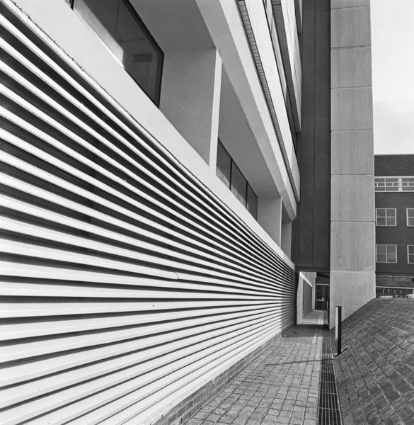 ALDERSHOT TELEPHONE EXCHANGE, Ordnance Road, Aldershot, Hampshire. Looking along a louvred vent and walkway on the south-west side of the new range. Photographed by John Gay in 1974