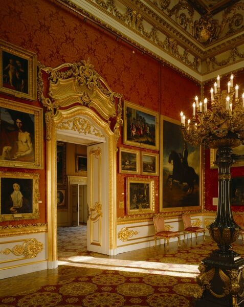 APSLEY HOUSE, Hyde Park Corner, Westminster, London. Interior view towards doorway in the Waterloo Gallery leading to the Portico Drawing Room