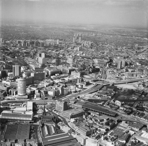 Birmingham. The city centre, including the Rotunda and Moor Street Station, photographed by Aerofilms in 1971