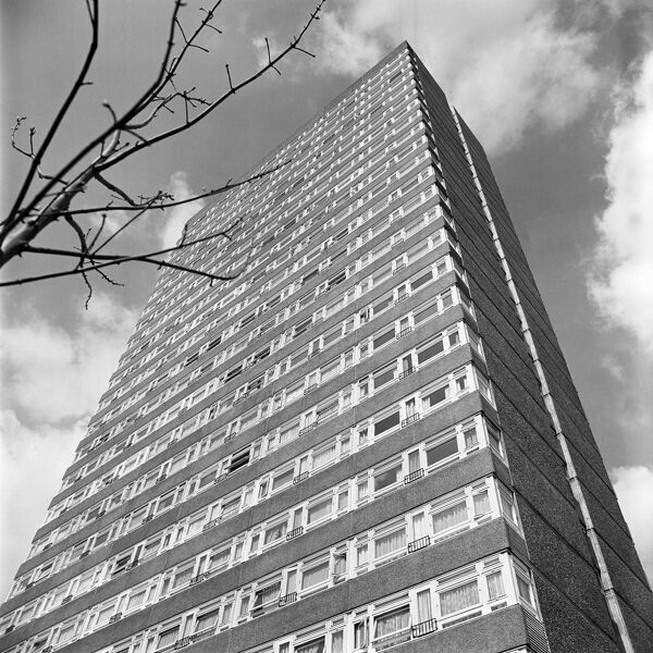 KELSON HOUSE, Samuda Estate, Isle of Dogs, London. A view from ground level looking towards the top of the tower block. A mid 1960s development of Local Authority flats. Photographed by John Gay. Date range:1965-1970