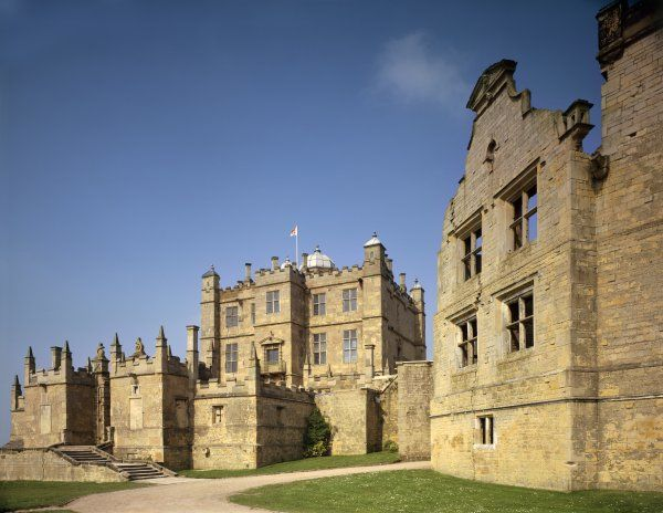 BOLSOVER CASTLE, Derbyshire. Exterior view of the Little Castle and part of the Terrace Range