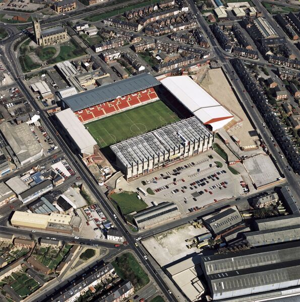 BRAMMALL LANE, Sheffield. Aerial view of the home of Sheffield United Football Club. Photographed in 1997, when the Blades went to the play-off final at Wembley but failed to get into the Premiership. Aerofilms Collection (see Links)