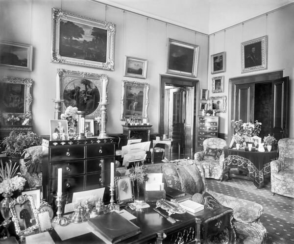 BRIDGEWATER HOUSE, Westminster, London. Interior view. Before the First World War Bridgewater House contained the finest private picture gallery in England, admitting visitors on Wednesdays and Saturdays after previous application in writing