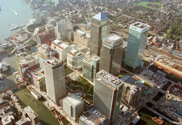 CANARY WHARF, Docklands, Poplar, London. Aerial view