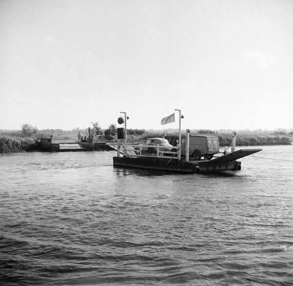 Reedham ferry, Reedham, Norfolk. This small chain ferry is still the only vehicle crossing on the River Yare between Great Yarmouth and Norwich