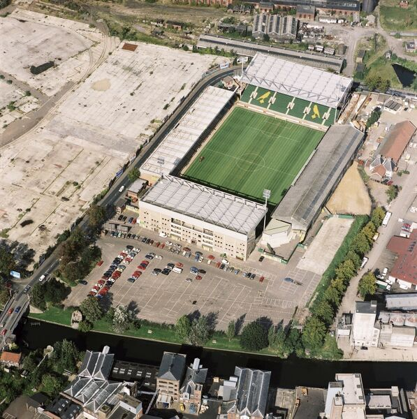CARROW ROAD, Norwich. Aerial view of the home of Norwich City Football Club. Photographed in 1992. Founder members of the Premier League (1992-93) the Canaries were pushing for the title in its first season. Aerofilms Collection (see Links)