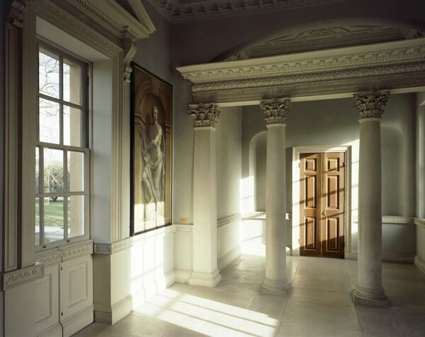 CHISWICK HOUSE, London. Interior view of the Link Building first floor room. View towards Corinthian colonnade with door behind