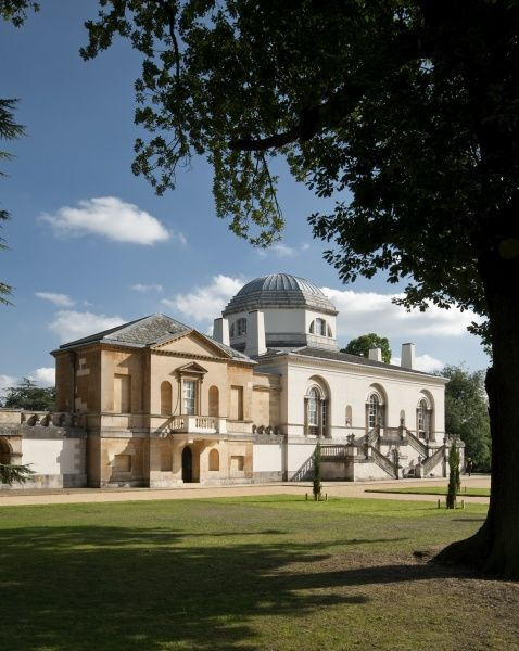 CHISWICK HOUSE, London. View of the Link Building with the North facade of the Villa beyond
