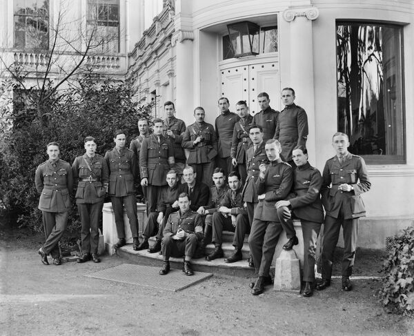 SHIRLEY PARK, Shirley Road, Shirley, London. Members of the Royal Flying Corps posed outside Shirley Park. Part of the estate was used for convalescing airmen during WW1. Photographed by Bedford Lemere & Co, December 1917