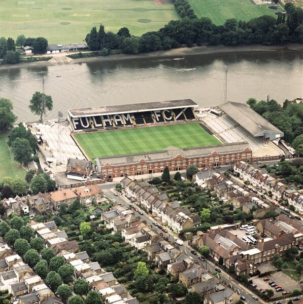 CRAVEN COTTAGE, London. Aerial view of the home of Fulham FC since 1894, with the River Thames beyond. Photographed in 2000. Aerofilms Collection (see Links)