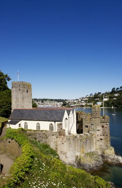 DARTMOUTH CASTLE, Dartmouth, Devon. General view of the Gun Tower and St Petrox church