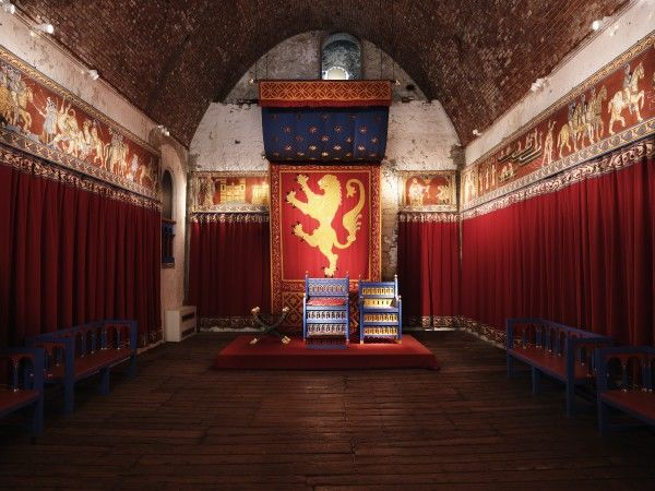 DOVER CASTLE, Kent. Interior view of the King's Hall showing Henry II recreated throne