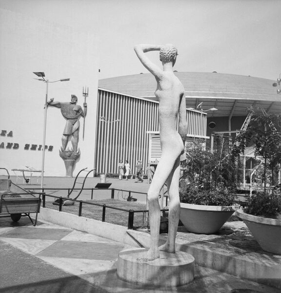 Festival of Britain, South Bank, Lambeth, London. Daphne Hardy's sculpture 'Youth' exhibited in the garden of 51 Bar on the South Bank Exhibition site during the Festival of Britain. Photographed by M W Parry in 1951