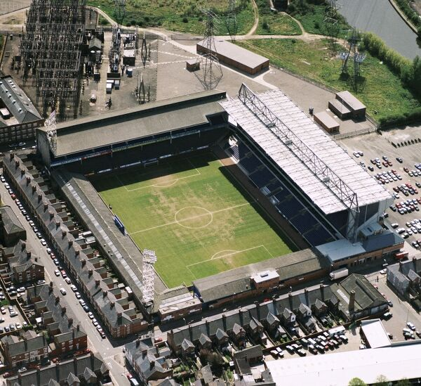 FILBERT STREET, Leicester. Aerial view of the former home of Leicester City Football Club photographed in 1994. Leicester won the play-off final to go back to the Premiership. The Foxes moved to the Walkers Stadium in 2002. Aerofilms Collection
