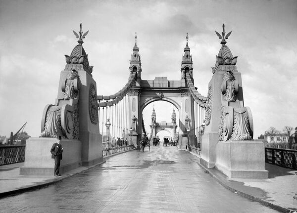 HAMMERSMITH BRIDGE, Hammersmith, Greater London