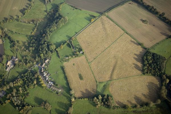 HATFIELD EARTHWORKS, Wiltshire. Aerial view of Marden Henge prior to 2010 excavations