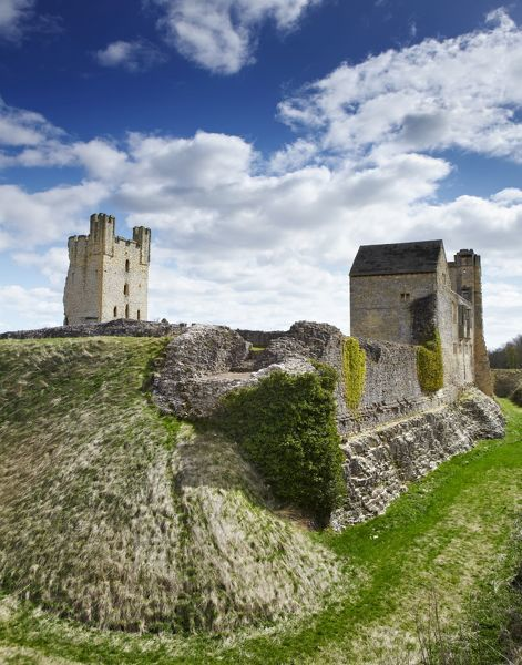 HELMSLEY CASTLE, North Yorkshire. The castle viewed from the west showing the West and East Towers