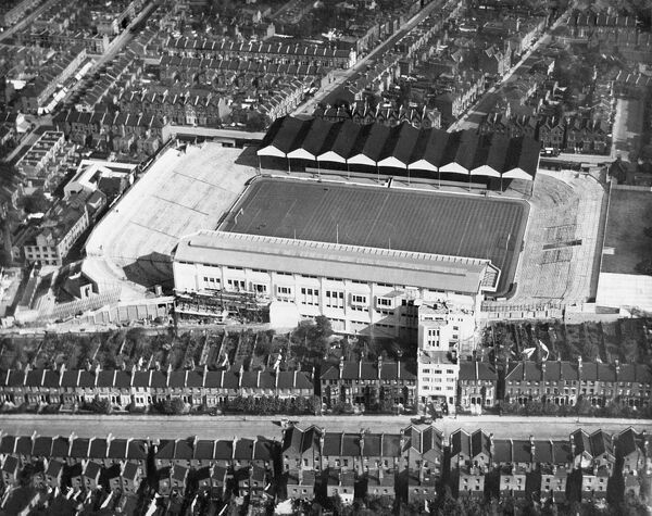 HIGHBURY STADIUM, London. Aerial view of Arsenal Stadium, the home of Arsenal Football Club since 1913. Photographed in 1932. Aerofilms Collection (see Links)