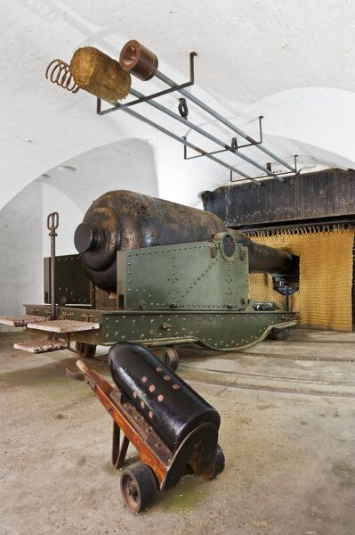 HURST CASTLE, Hampshire. Interior of casement with massive 38 ton gun and equipment