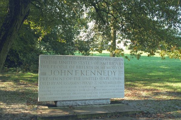 Memorial to President John F. Kennedy (1917-63). The stone is imperceptibly curved in all directions to counter optical illusion. IoE 469101