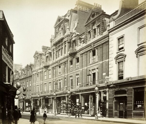 KING'S ROAD, Chelsea, London. General view of numbers 2 to 10 Kings Road from the east. Photographed on the 13th July 1885. From the Bedford Lemere collection