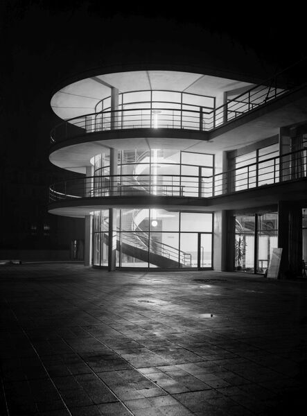 DE LA WARR PAVILION, Bexhill on Sea, East Sussex. The Pavilion at night with interior lighting. Photographed by Herbert Felton in 1935 shortly after completion